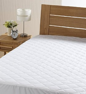 Quilted poloycotton
